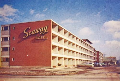 Seaway Hotel postcard 1